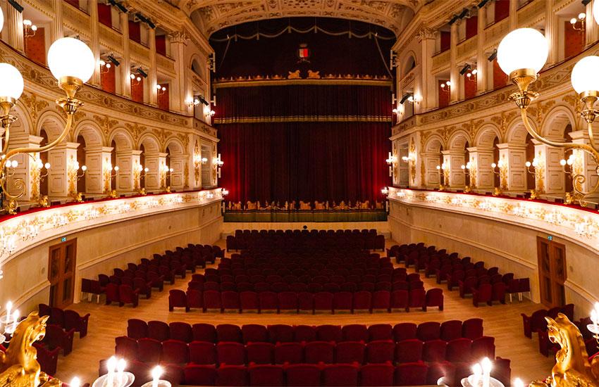 Teatro Galli Rimini Concorso